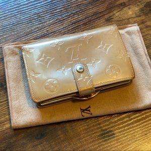 Auth Louis Vuitton Rose Florentine Vernis Wallet